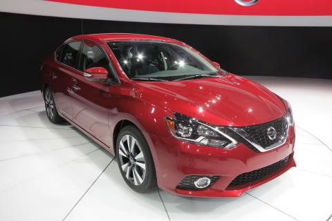2016 Nissan Sentra First Look - 2015 L.A. Auto Show